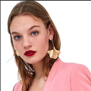 Zara Gold Leaf Statement Earrings NWOT